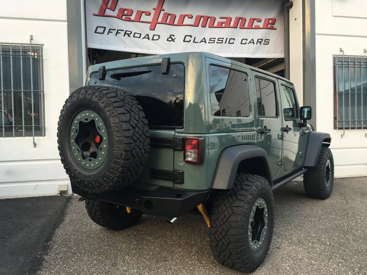 jeep wrangler rubicon unlimited 2 8 crd euro 6 jeep off road performance invest. Black Bedroom Furniture Sets. Home Design Ideas
